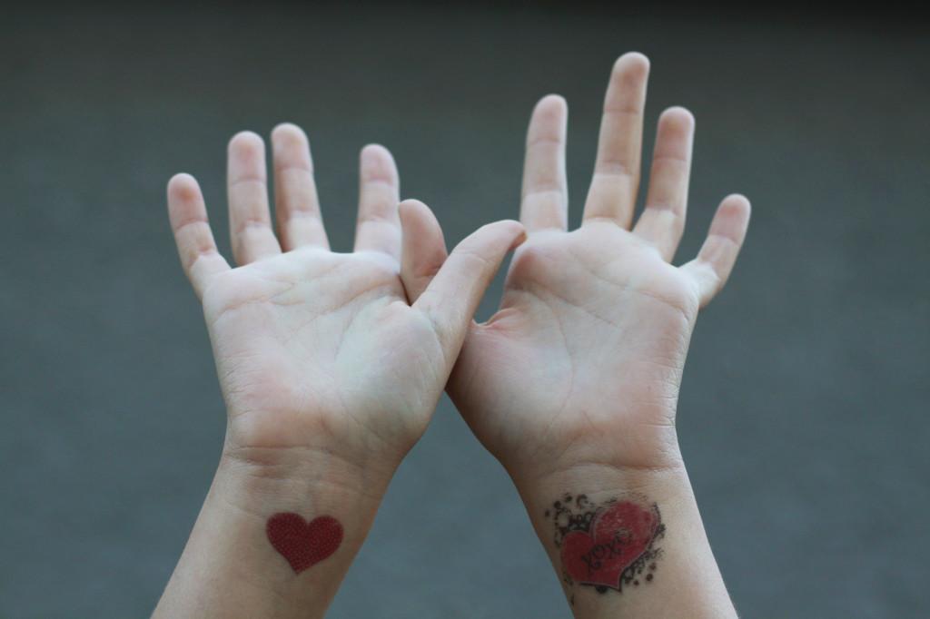 handshearts